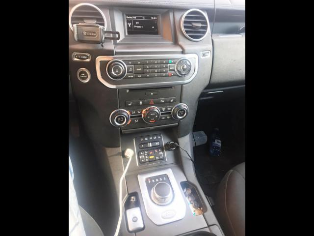 LAND ROVER Discovery 4 - TDV6 S