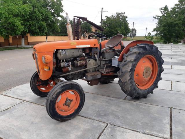 TRACTOR 40 CP