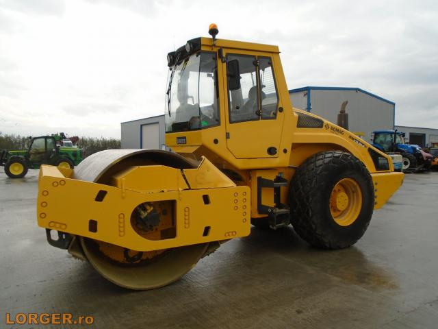 COMPACTOR Bomag BW213 DH-4