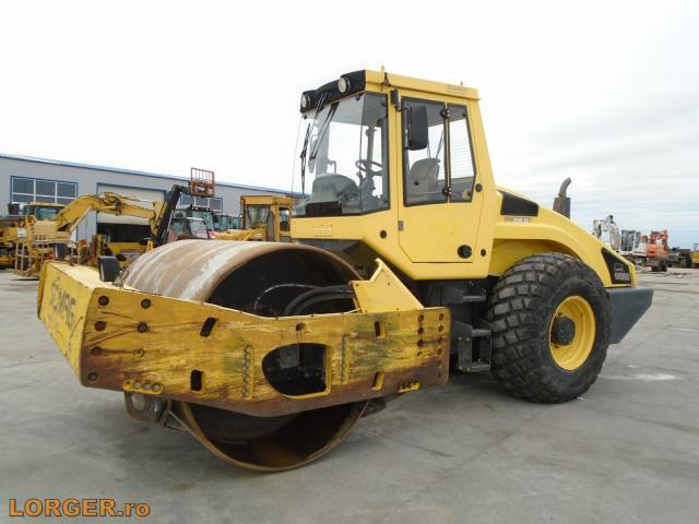 COMPACTOR Bomag BW216 D-4