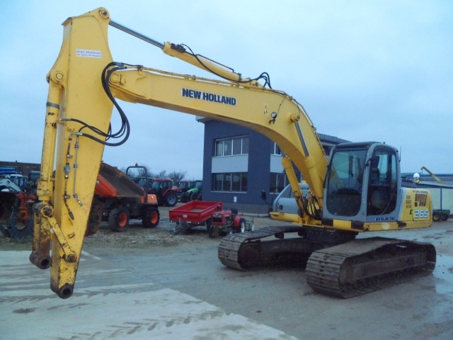 EXCAVATOR New Holland E265