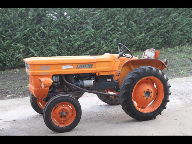 TRACTOR Fiat 300