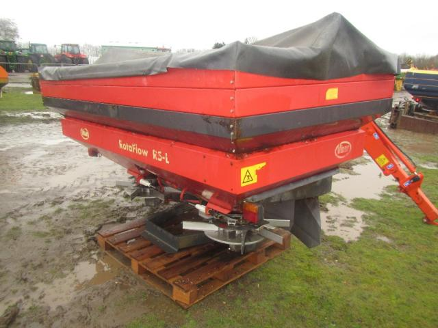 DISTRIBUITOR INGRASAMINTE Vicon RS-L  2700 kg