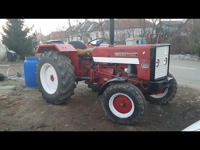 TRACTOR Mc Cormick International 423