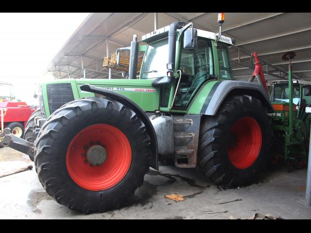 TRACTOR Fendt Favorit 916 Vario