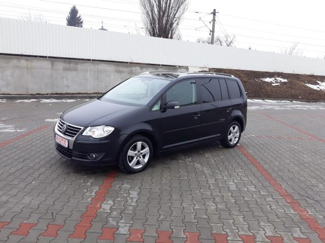VOLKSWAGEN Touran United