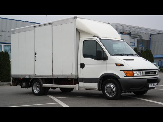 IVECO Daily  Cu lift