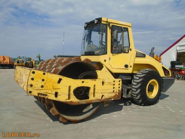 COMPACTOR Bomag BW216 PDH-4
