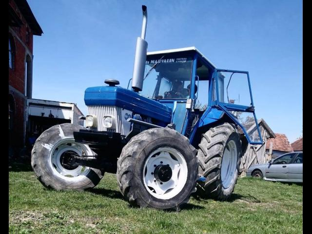 TRACTOR Ford - cu incarcator fron