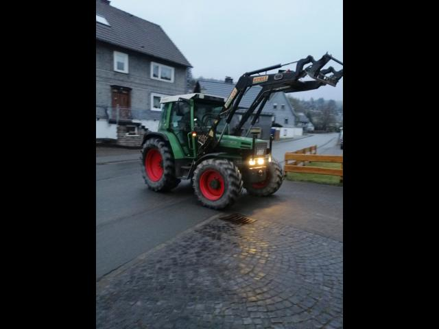 TRACTOR Fendt Farmer 309 frontal