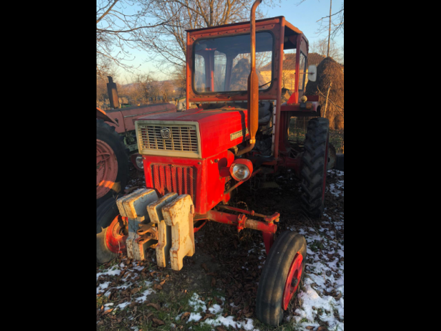 TRACTOR 445